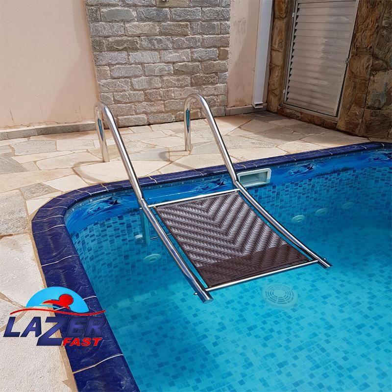 Escada de piscina pra cachorro em a o inox salva c o na for Plataforma para piscina